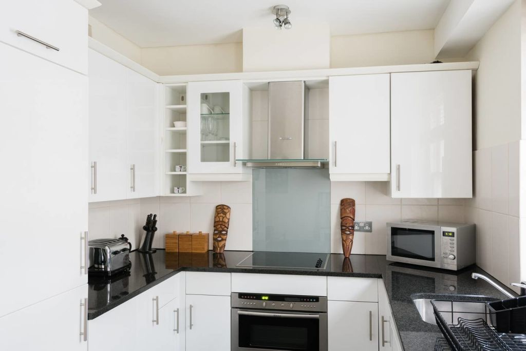 image 9 furnished 1 bedroom Apartment for rent in Cheap, City of London