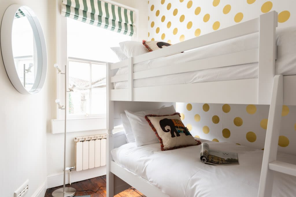 image 8 furnished 4 bedroom Apartment for rent in Bath and North East, Somerset