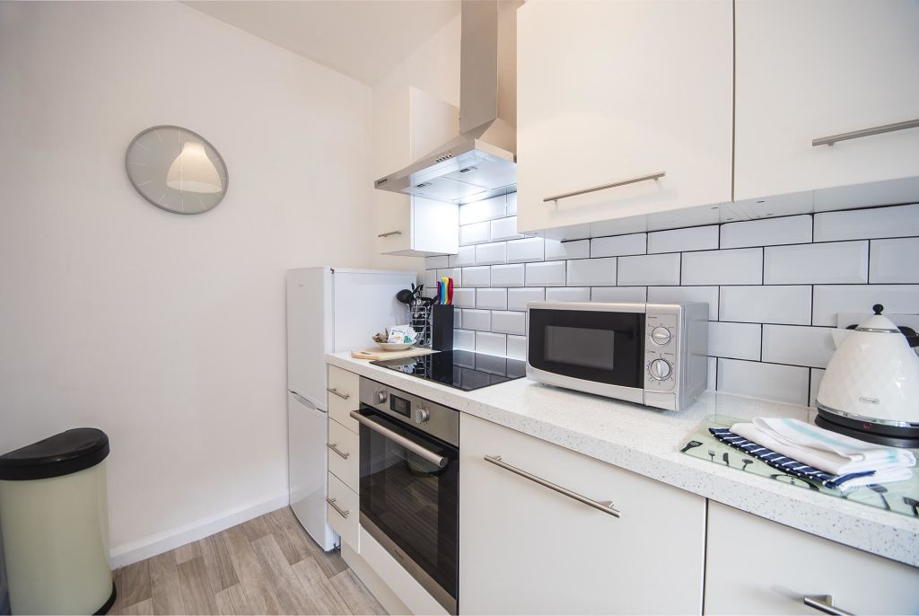 image 6 furnished 2 bedroom Apartment for rent in Earls Court, Kensington Chelsea