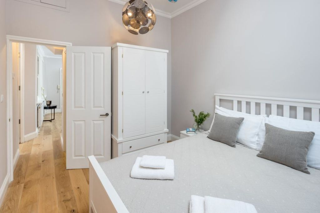 image 8 furnished 3 bedroom Apartment for rent in Notting Hill, Kensington Chelsea