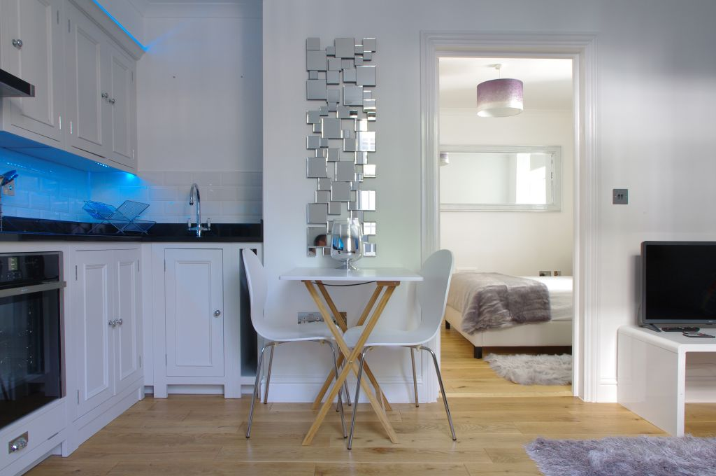 image 4 furnished 1 bedroom Apartment for rent in Earls Court, Kensington Chelsea