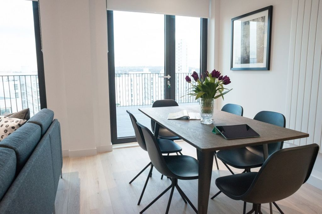 image 6 furnished 2 bedroom Apartment for rent in Silvertown, Newham