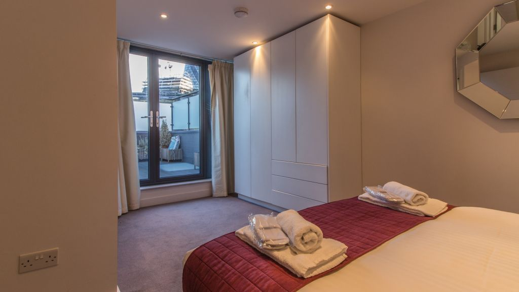 image 2 furnished 2 bedroom Apartment for rent in Bishopsgate, City of London