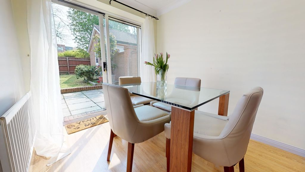 image 6 furnished 3 bedroom Apartment for rent in Welwyn Hatfield, Hertfordshire