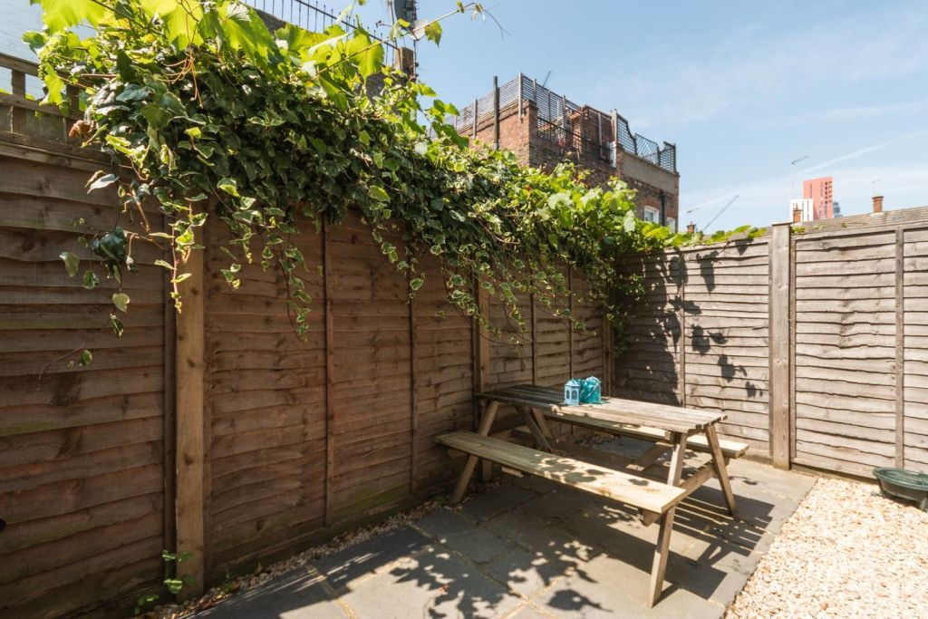 image 3 furnished 2 bedroom Apartment for rent in Stockwell, Lambeth