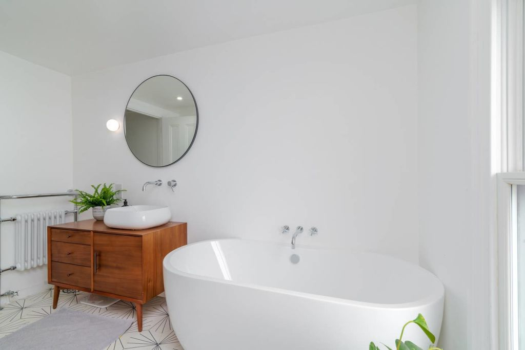 image 4 furnished 3 bedroom Apartment for rent in Hackney Wick, Hackney