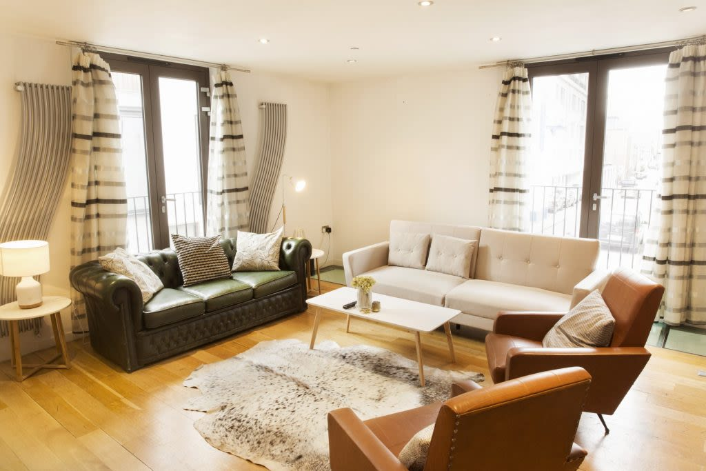 image 2 furnished 3 bedroom Apartment for rent in Covent Garden, City of Westminster