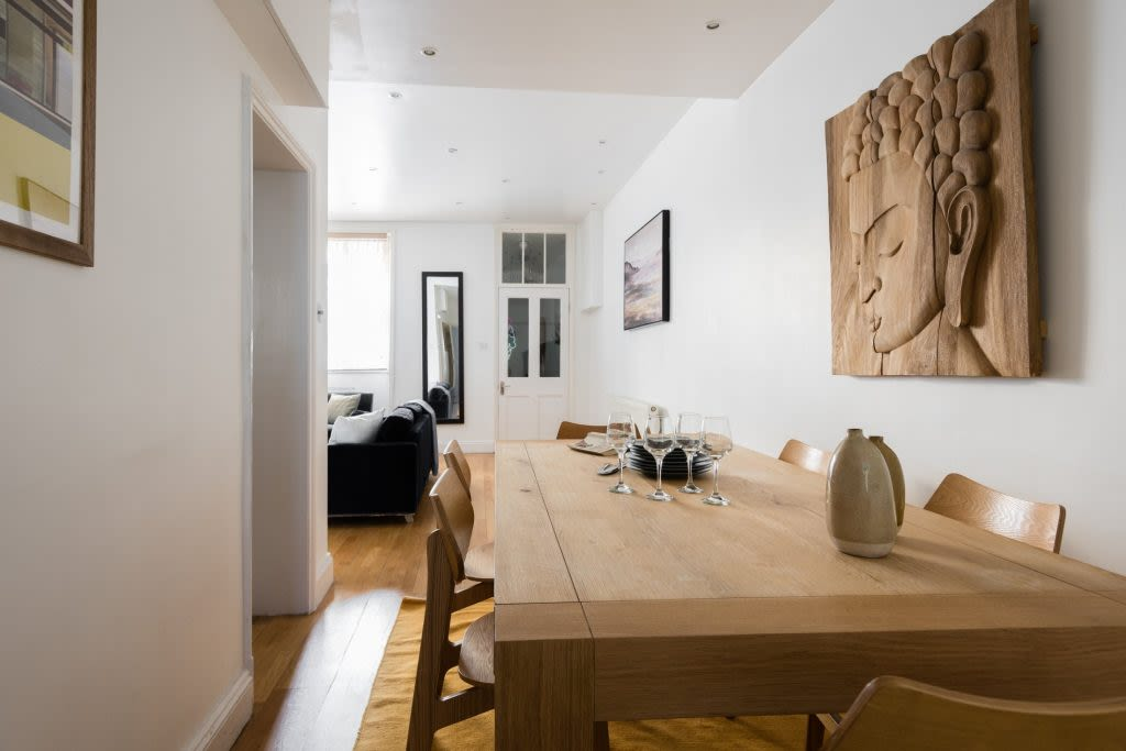 image 5 furnished 3 bedroom Apartment for rent in Westminster, City of Westminster