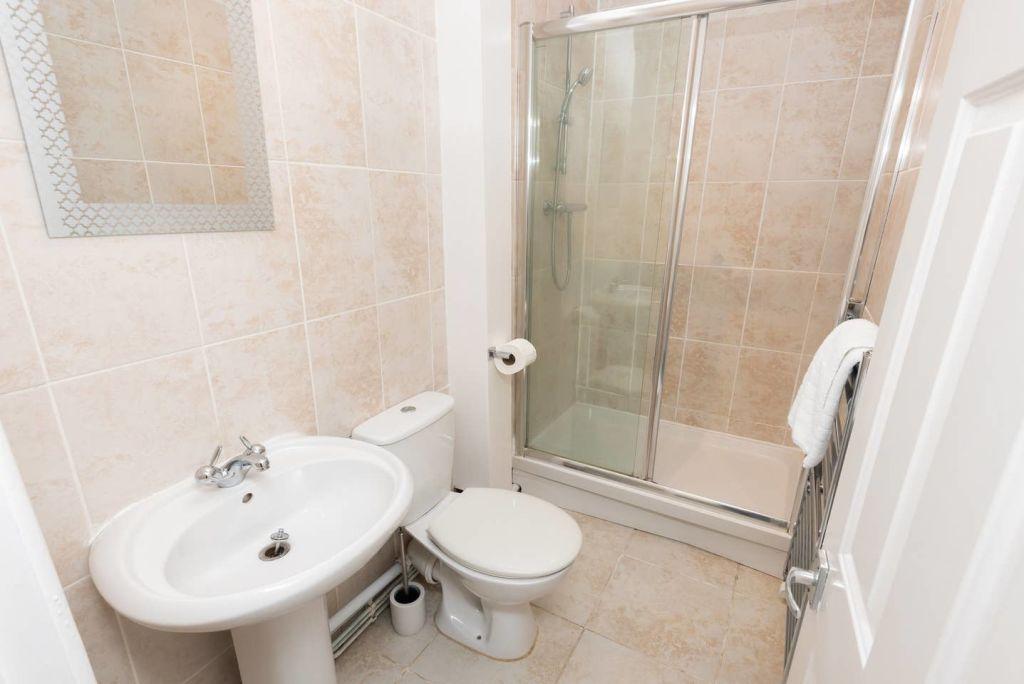 image 9 furnished 1 bedroom Apartment for rent in Leeds, West Yorkshire