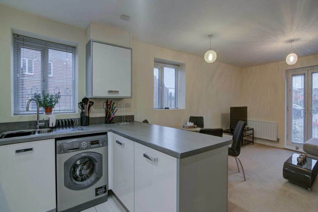 image 4 furnished 2 bedroom Apartment for rent in Moston, Manchester
