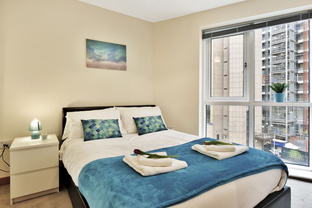 image 10 furnished 2 bedroom Apartment for rent in Limehouse, Tower Hamlets