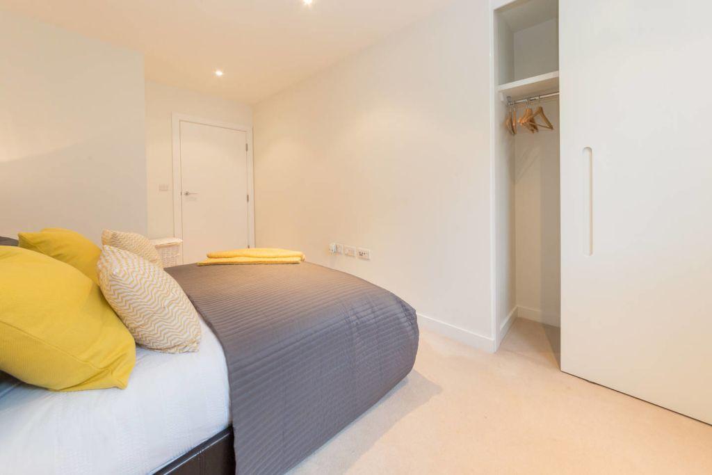 image 5 furnished 2 bedroom Apartment for rent in Brentford, Hounslow