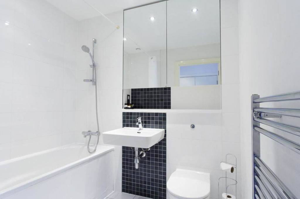 image 9 furnished 1 bedroom Apartment for rent in Dacorum, Hertfordshire