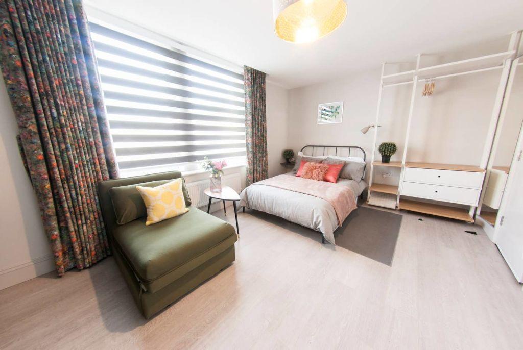 image 1 furnished 1 bedroom Apartment for rent in Cricklewood, Barnet