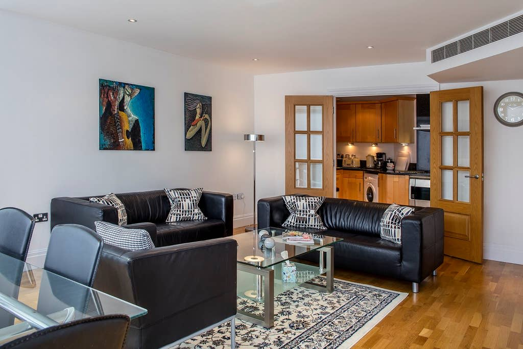 image 4 furnished 3 bedroom Apartment for rent in Sands End, Hammersmith Fulham