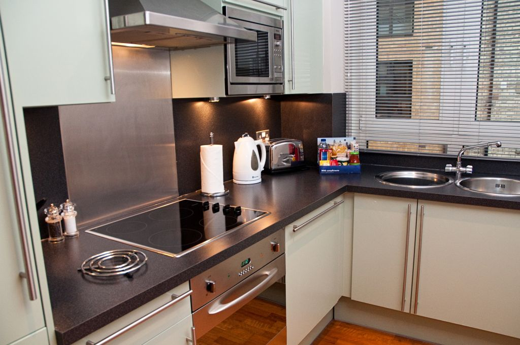 image 2 furnished 1 bedroom Apartment for rent in Tower, City of London