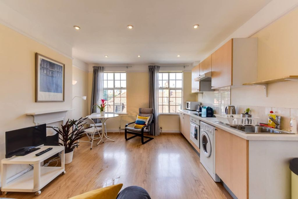 image 5 furnished 1 bedroom Apartment for rent in Whitechapel, Tower Hamlets