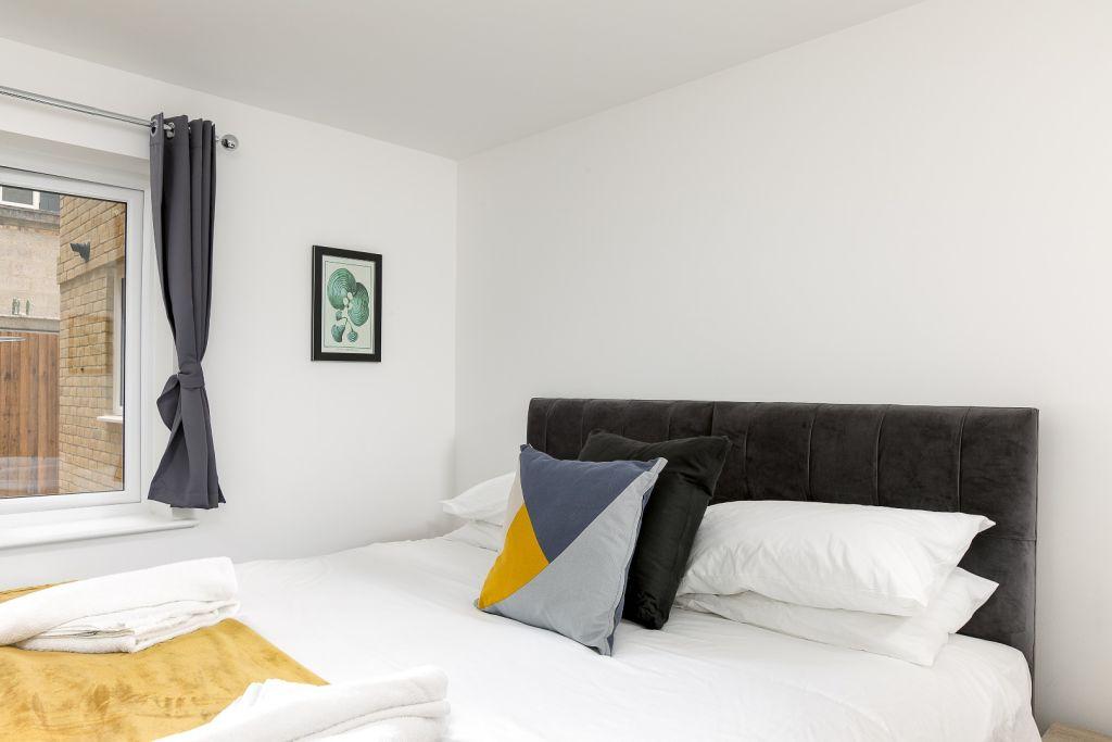 image 6 furnished 2 bedroom Apartment for rent in East Hertfordshire, Hertfordshire