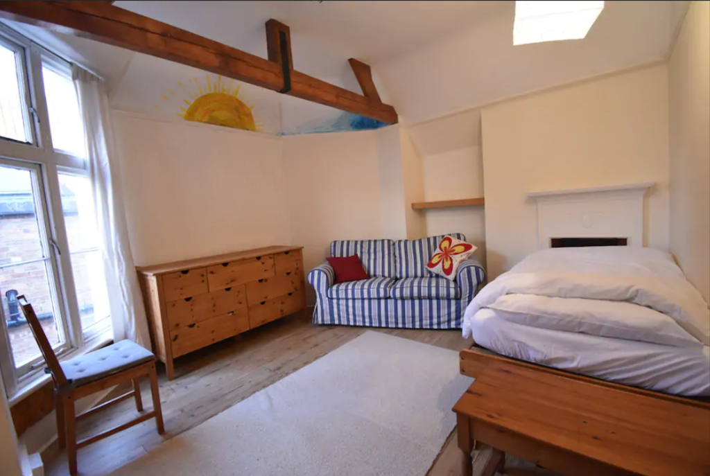 image 4 furnished 5 bedroom Apartment for rent in Warwick, Warwickshire