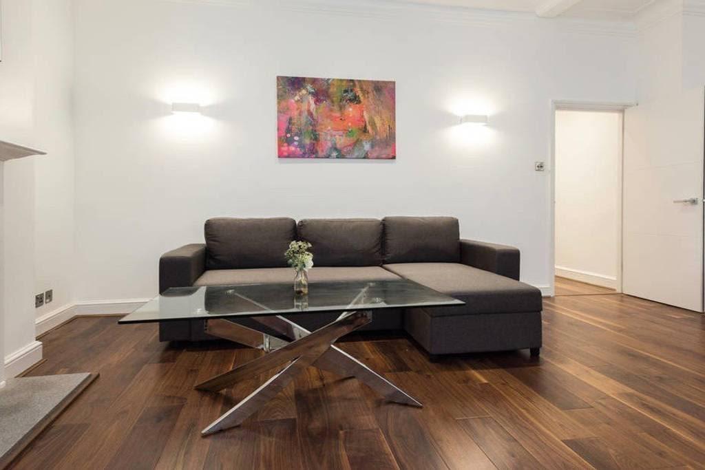 image 2 furnished 2 bedroom Apartment for rent in Castle Baynard, City of London