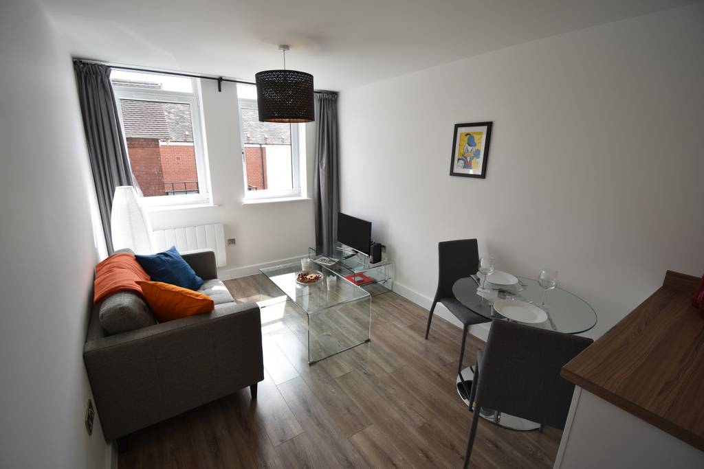 image 2 furnished 1 bedroom Apartment for rent in Earlsdon, Coventry
