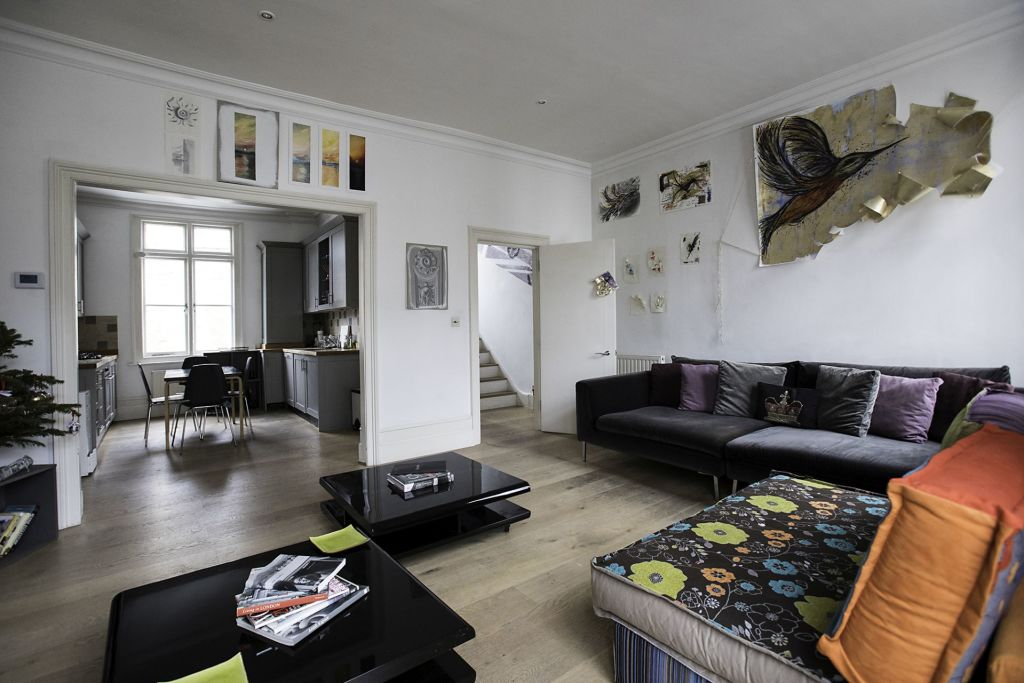 image 2 furnished 3 bedroom Apartment for rent in Chelsea, Kensington Chelsea
