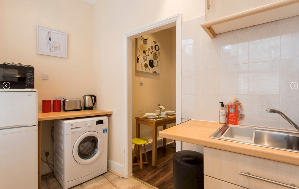 image 10 furnished 2 bedroom Apartment for rent in Spitalfields, Tower Hamlets
