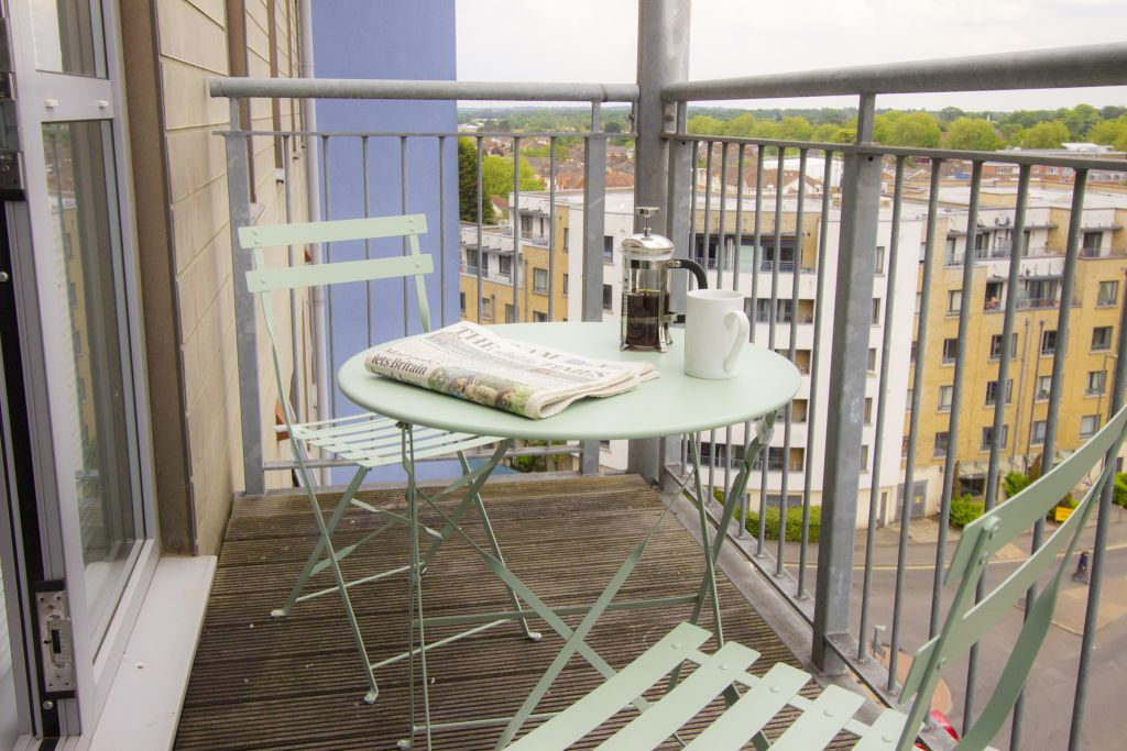 image 9 furnished 2 bedroom Apartment for rent in Woking, Surrey