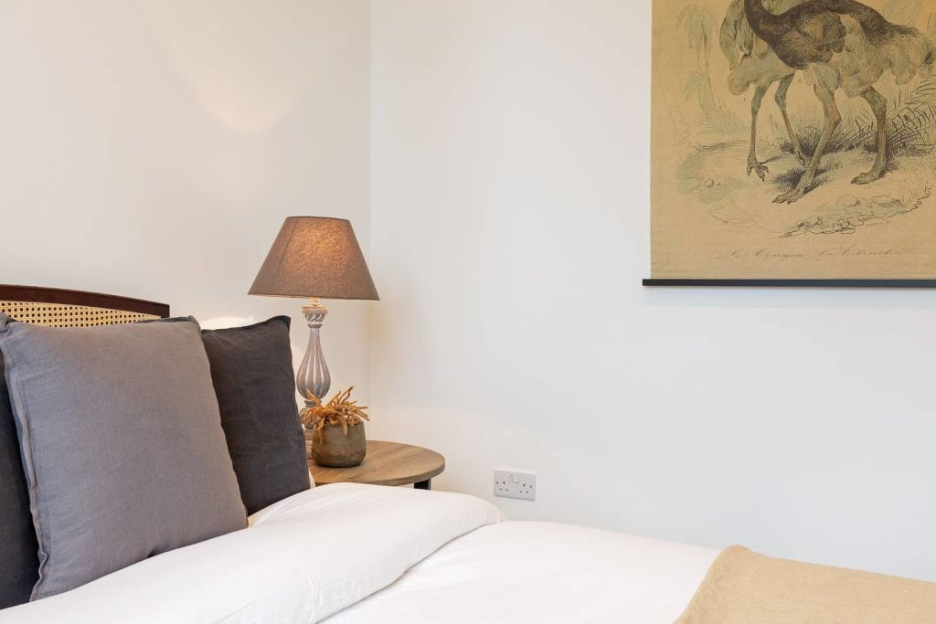 image 3 furnished 4 bedroom Apartment for rent in Fairfield, Croydon