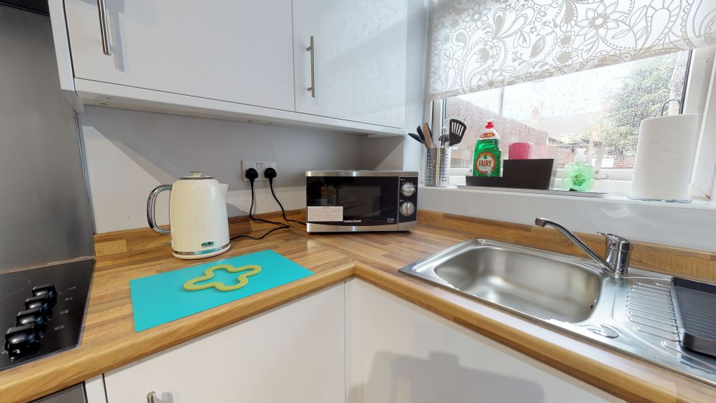 image 9 furnished 2 bedroom Apartment for rent in Peterborough, Cambridgeshire