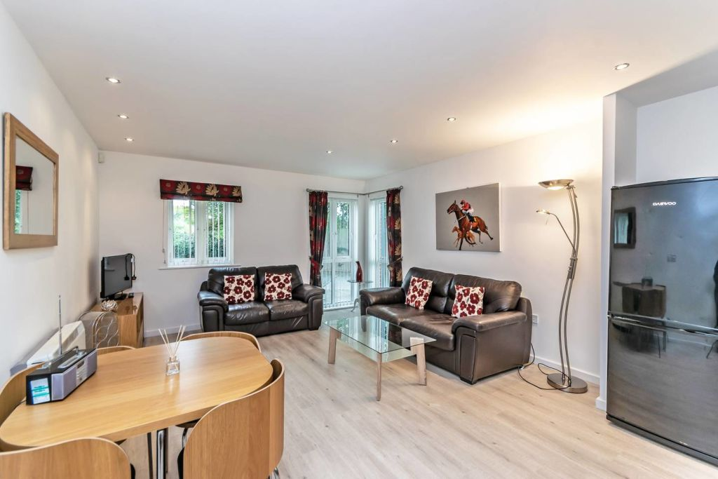 image 2 furnished 2 bedroom Apartment for rent in Chester, Cheshire