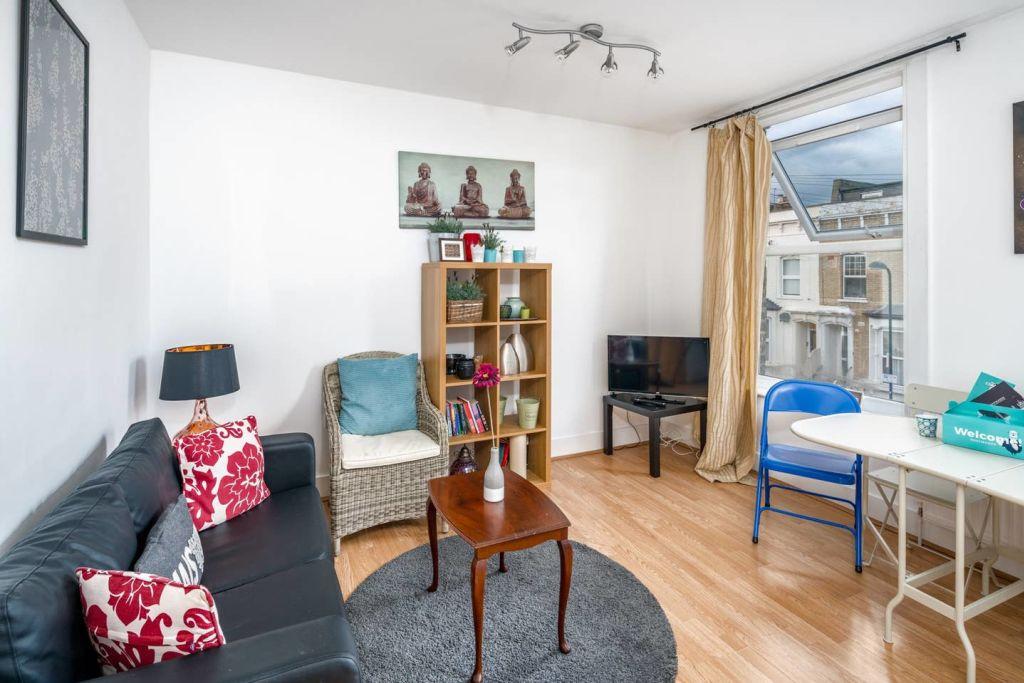image 1 furnished 1 bedroom Apartment for rent in Hackney Downs, Hackney
