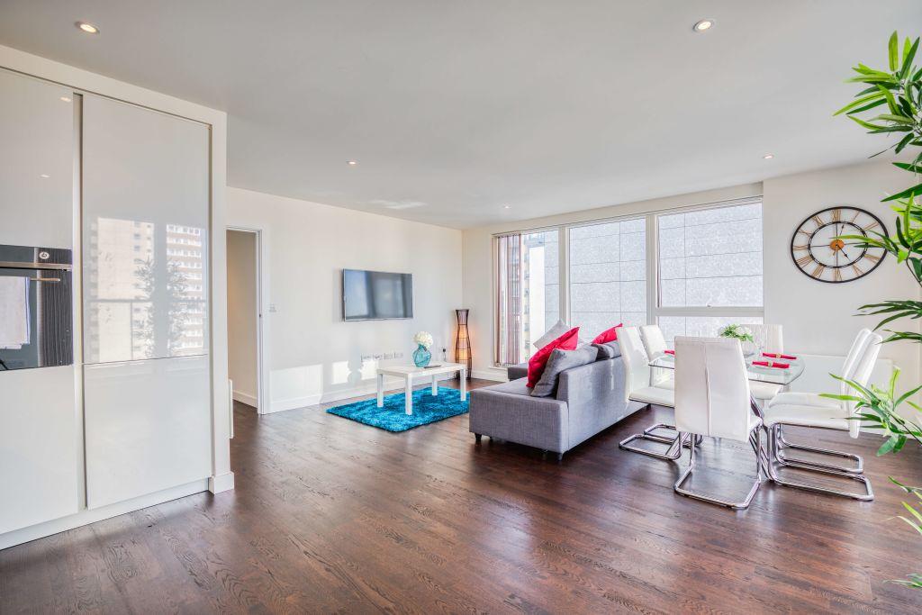 image 3 furnished 2 bedroom Apartment for rent in Brentford, Hounslow