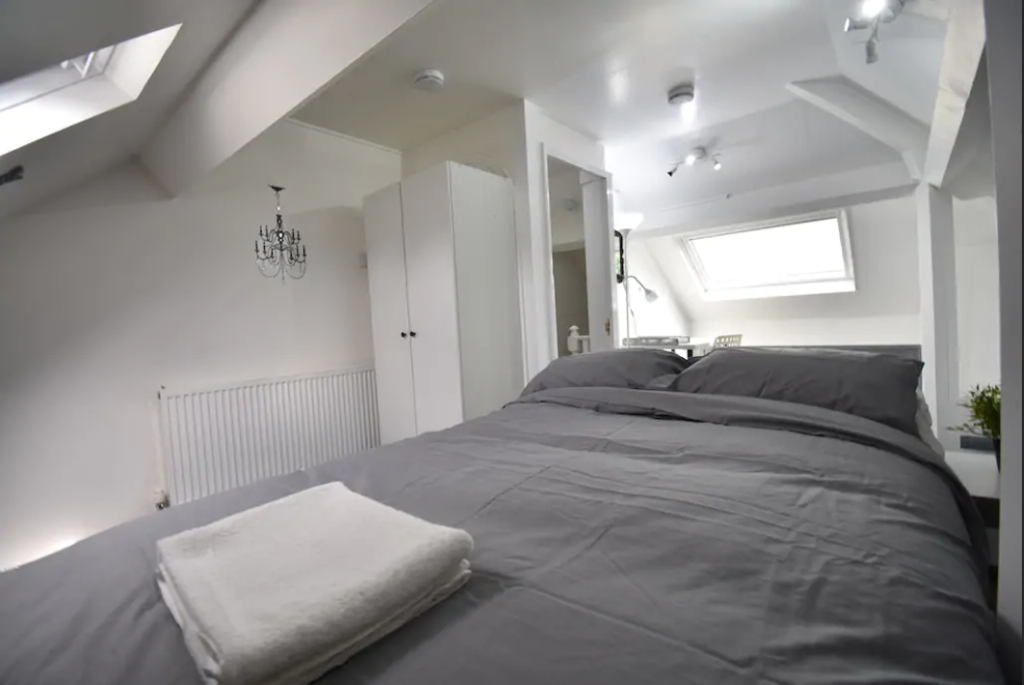image 2 furnished 3 bedroom Apartment for rent in Cheylesmore, Coventry