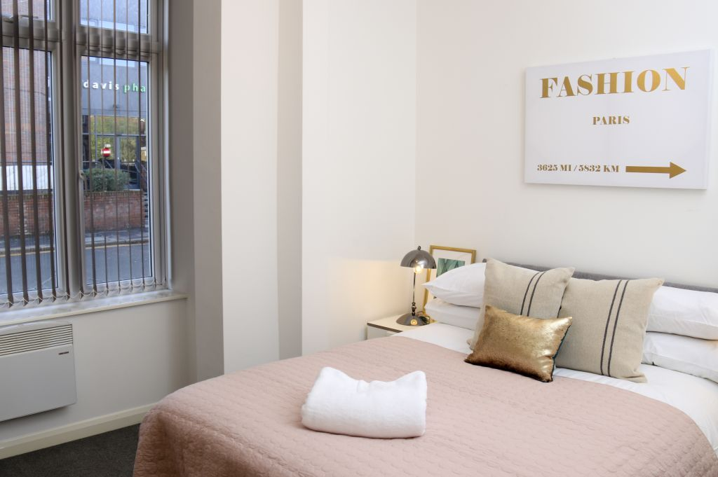 image 3 furnished 3 bedroom Apartment for rent in Watford, Hertfordshire