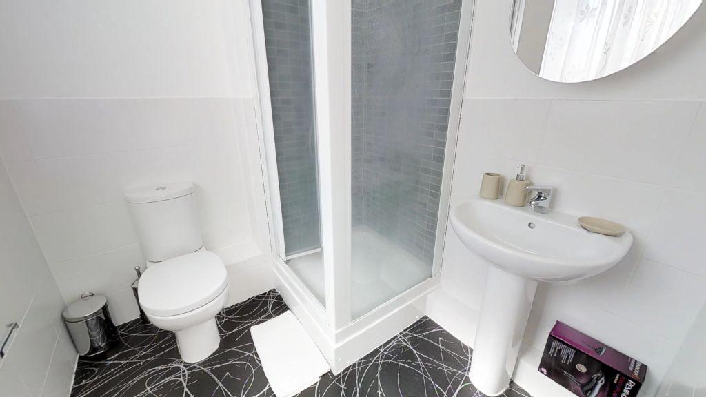 image 7 furnished 3 bedroom Apartment for rent in Welwyn Hatfield, Hertfordshire