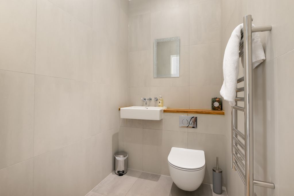 image 3 furnished 3 bedroom Apartment for rent in Greenwich, Greenwich