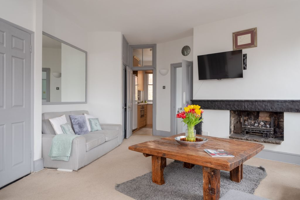 image 2 furnished 2 bedroom Apartment for rent in Hampstead, Camden