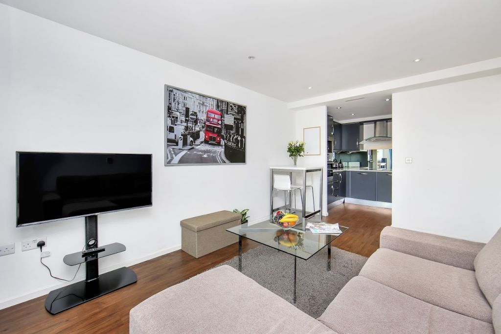image 1 furnished 1 bedroom Apartment for rent in Canning Town, Newham