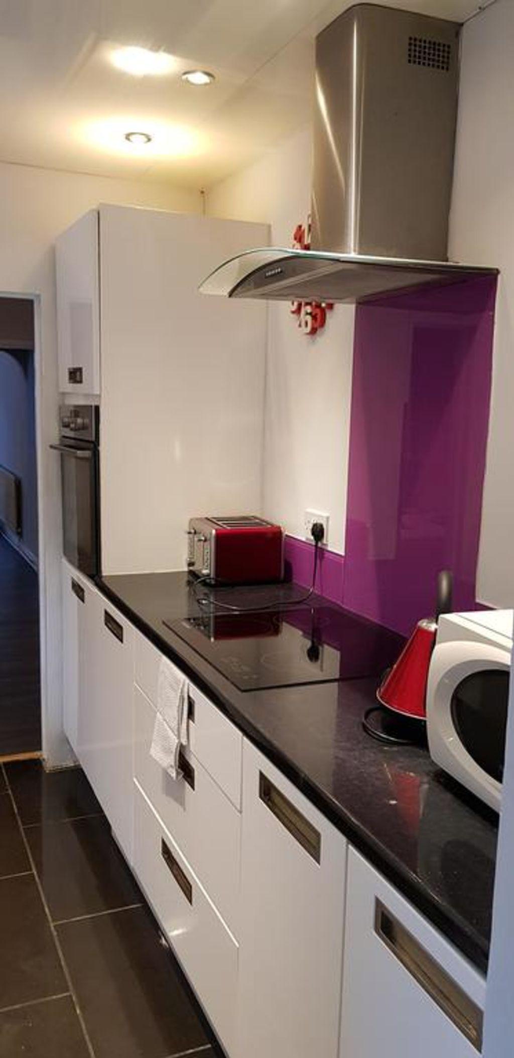 image 4 furnished 3 bedroom Apartment for rent in Gedling, Nottinghamshire