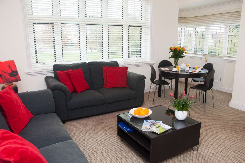 image 6 furnished 3 bedroom Apartment for rent in Windsor and Maidenhead, Berkshire