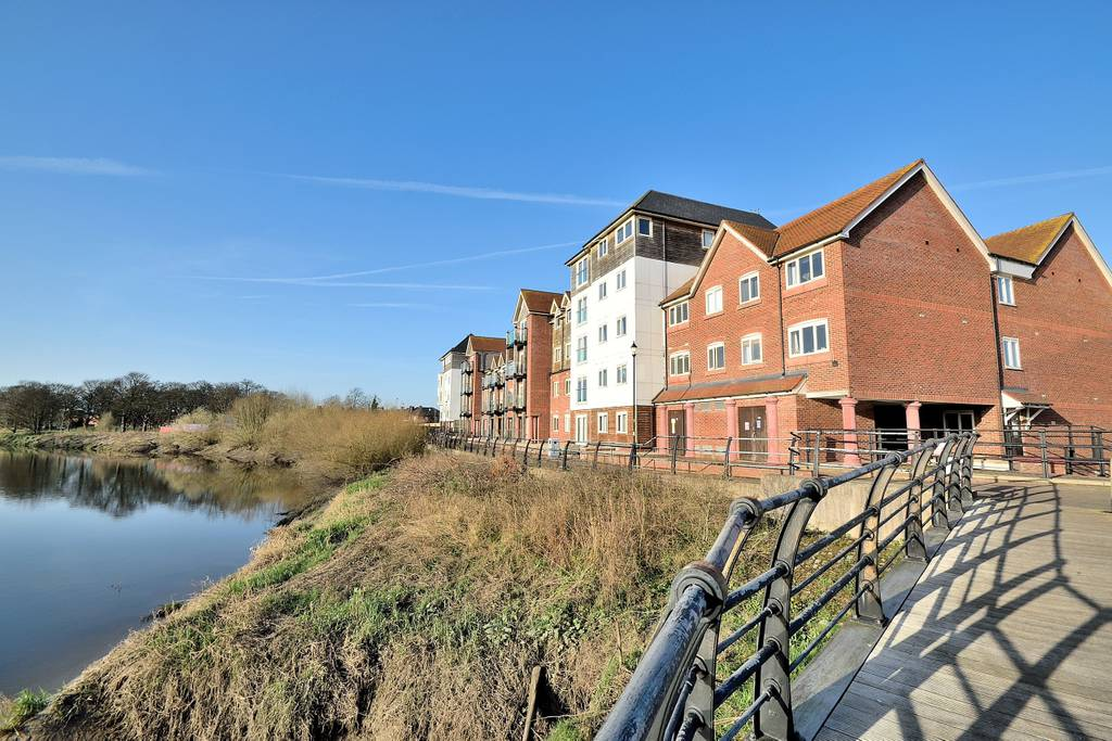 image 3 furnished 2 bedroom Apartment for rent in Chester, Cheshire