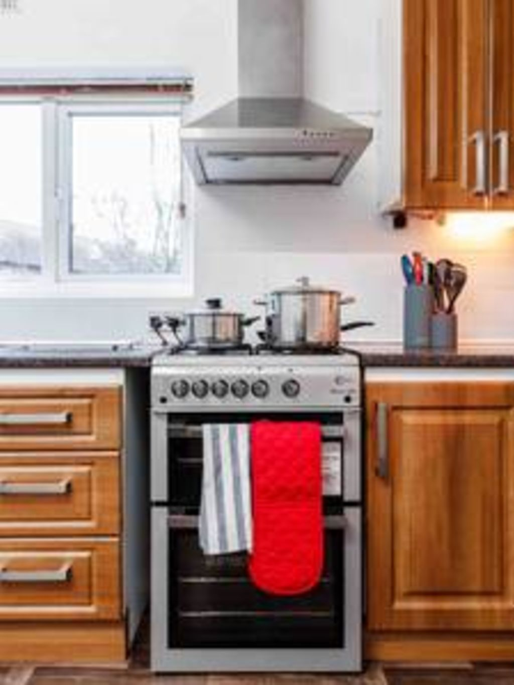 image 9 furnished 3 bedroom Apartment for rent in Chadwell Heath, Barking Dagenham