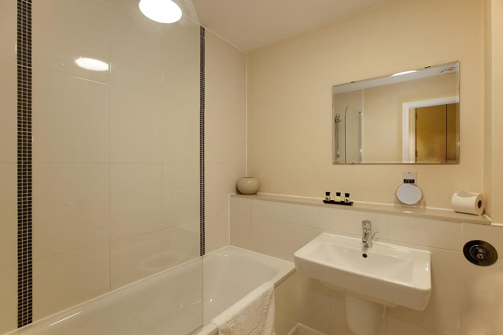 image 10 furnished 1 bedroom Apartment for rent in Milton Keynes, Buckinghamshire