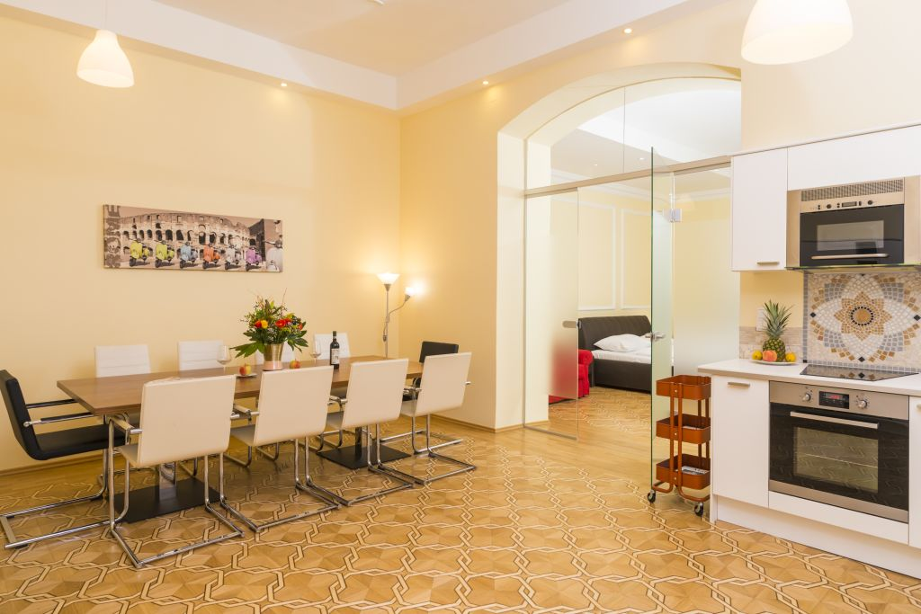 image 1 furnished 4 bedroom Apartment for rent in Innere Stadt, Vienna