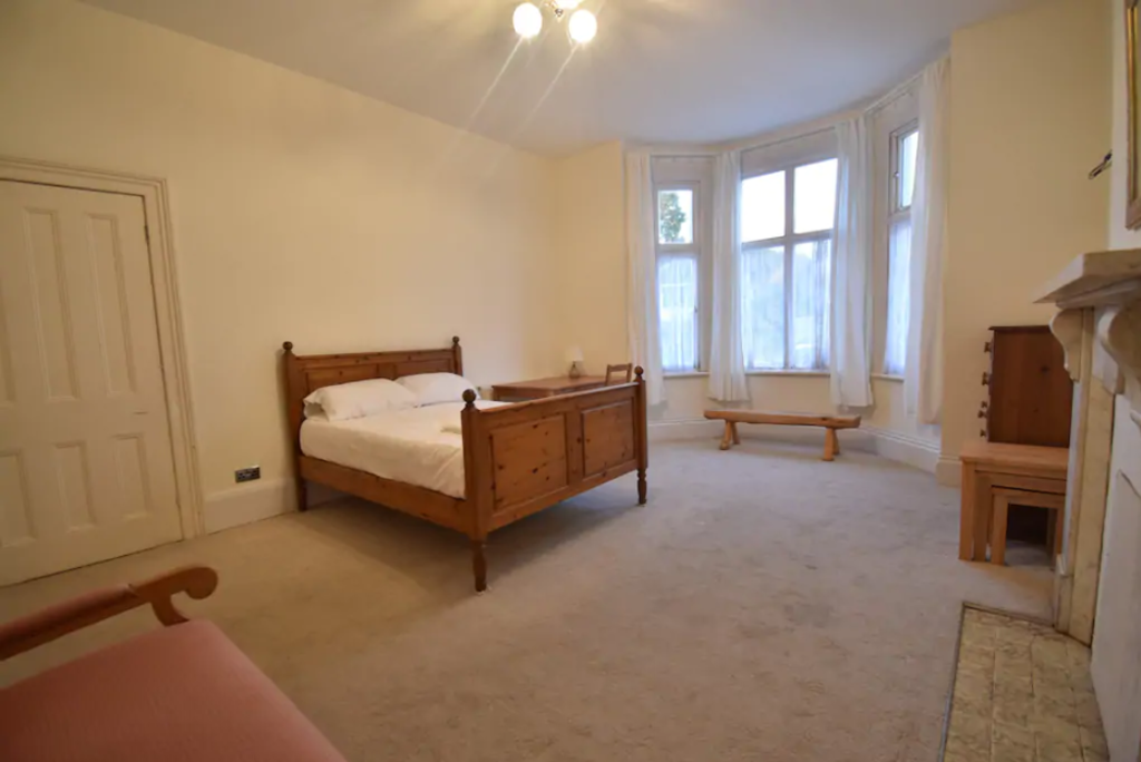 image 8 furnished 5 bedroom Apartment for rent in Warwick, Warwickshire