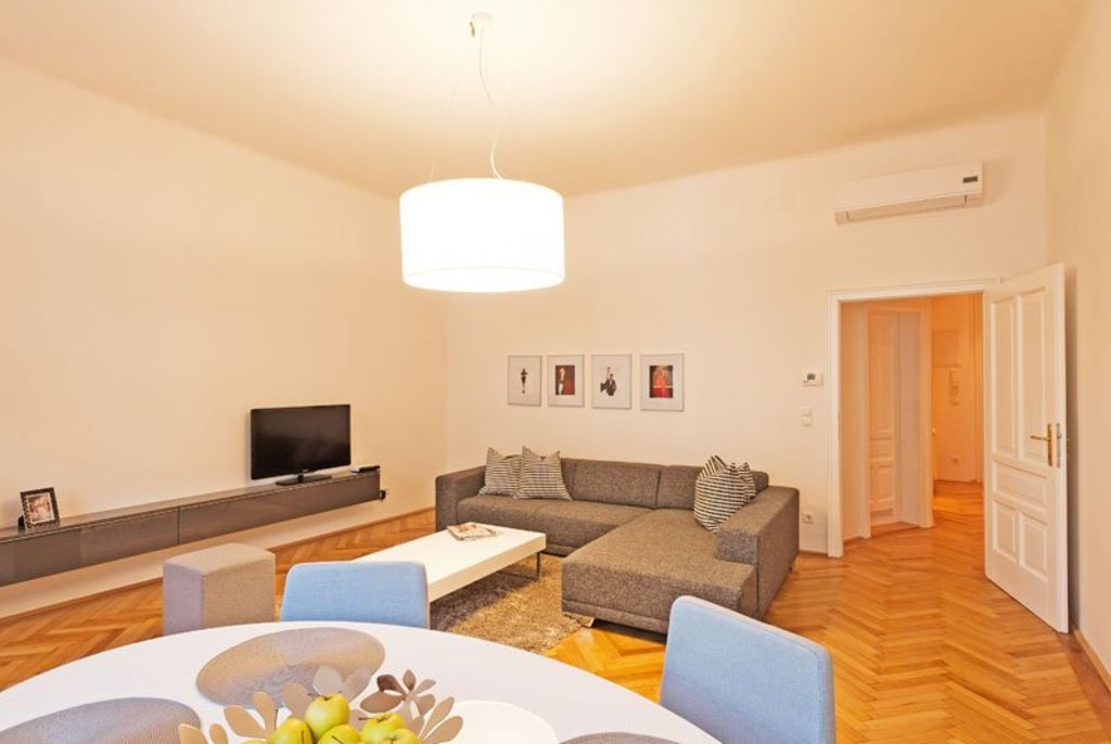image 3 furnished 1 bedroom Apartment for rent in Innere Stadt, Vienna