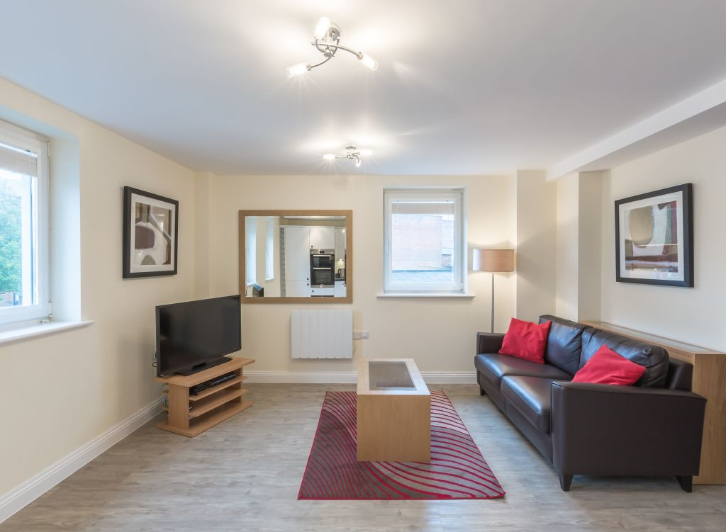 image 1 furnished 1 bedroom Apartment for rent in Basingstoke and Deane, Hampshire