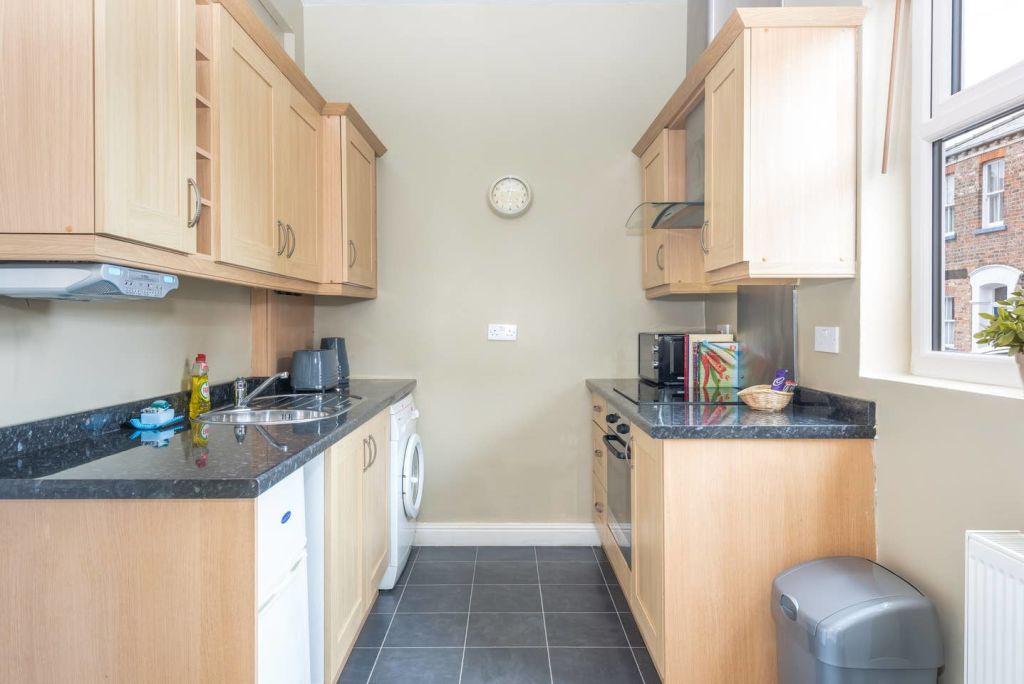 image 4 furnished 1 bedroom Apartment for rent in Leeds, West Yorkshire