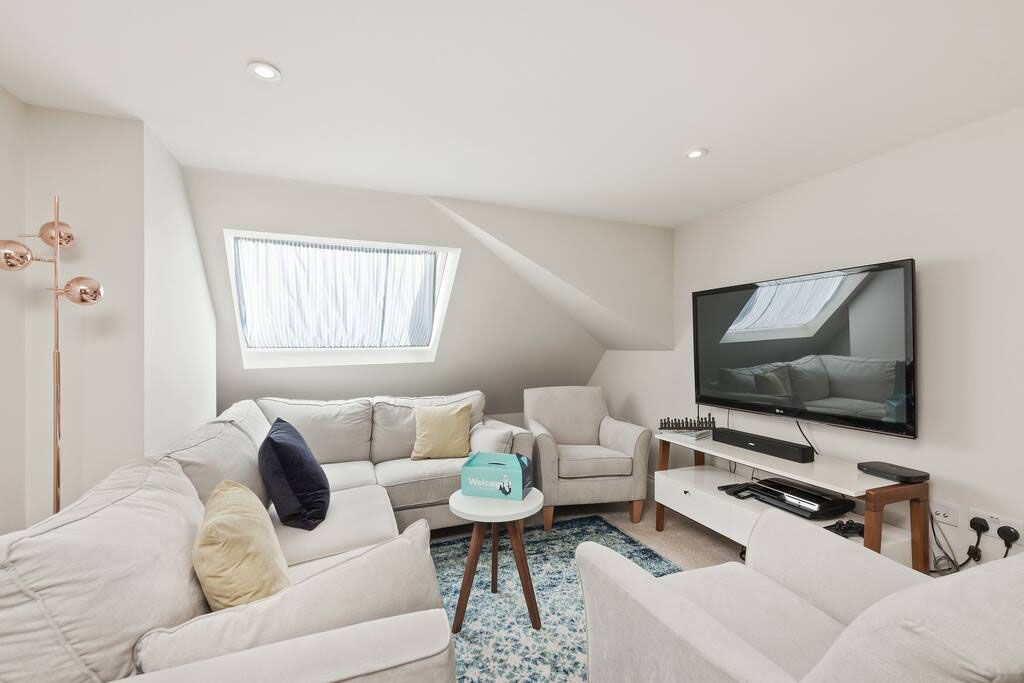 image 2 furnished 1 bedroom Apartment for rent in Shepherds Bush, Hammersmith Fulham